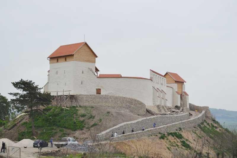 Cetatea-Feldioara800.jpg