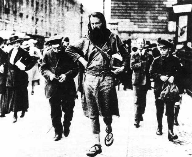 Gustav Graser în anul 1928, pe când încă mai lucra la Muzeul Anti-Război..jpg