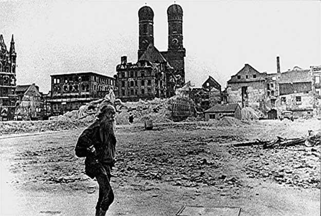 Graeser-Marienhof-1945.jpg