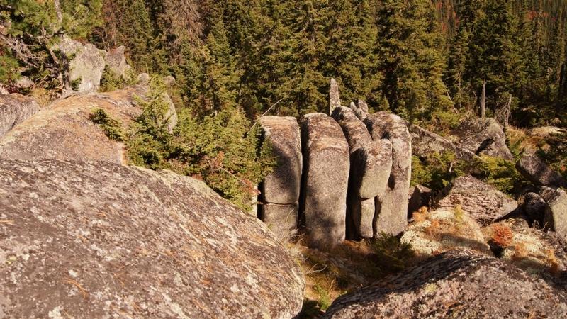 Ruine-megalitice-incredibile-descoperite-în-Siberia-1.jpg
