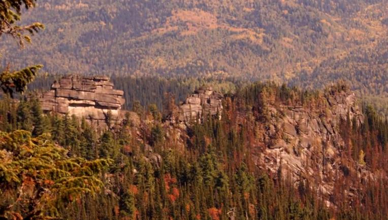 Ruine-megalitice-incredibile-descoperite-în-Siberia-4.jpg