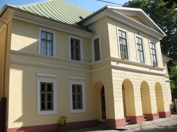 """Teatrul """"Mihai Eminescu"""" din Oravița.jpg"""